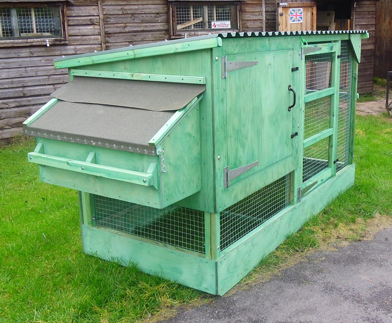 Fewcott Deluxe Two Tier Poultry House 1