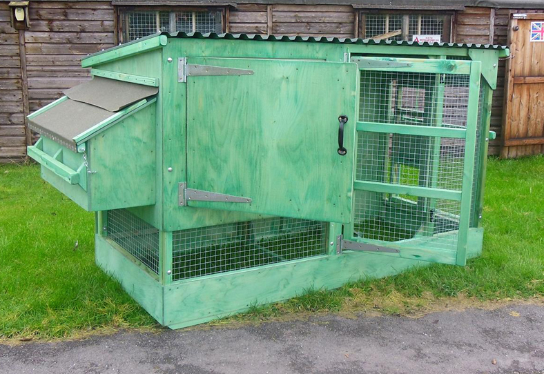 Fewcott Deluxe Two Tier Poultry House 4